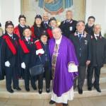 L'Associazione Nazionale Carabinieri Arruzzo di Catanzaro con al centro Mons. Marcianò